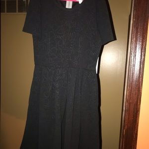 LuLaRoe Black embossed Amelia